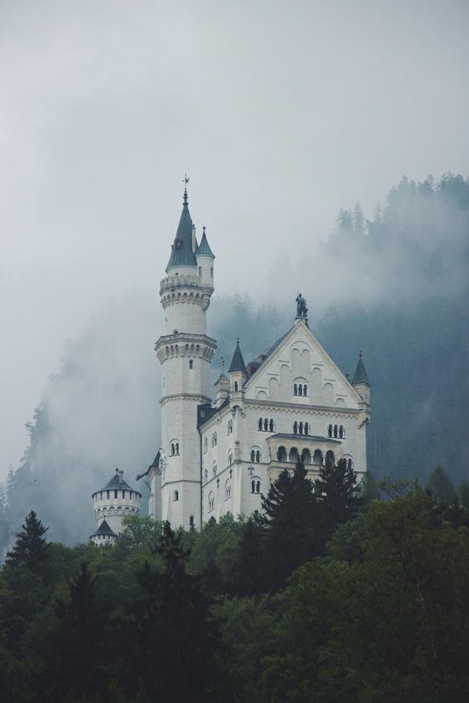 Germany: Castle Neuschwanstein Travel Guide – Bavaria